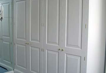 bespoke-white-wooden-wardrobes